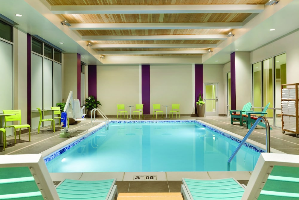 Indoor Pool, Home2 Suites by Hilton Eugene Downtown University Area