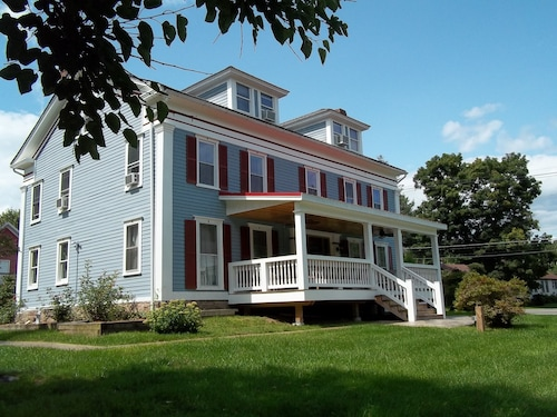 Tin Brook Bed and Breakfast