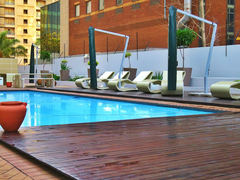 Sandton apartments hydro 2017 room prices deals for Hydroponic pool