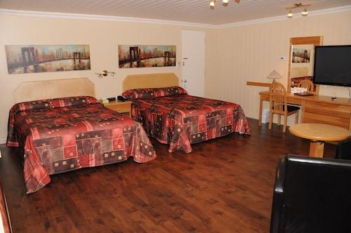 Check Expedia for Availability of Motel Roberval
