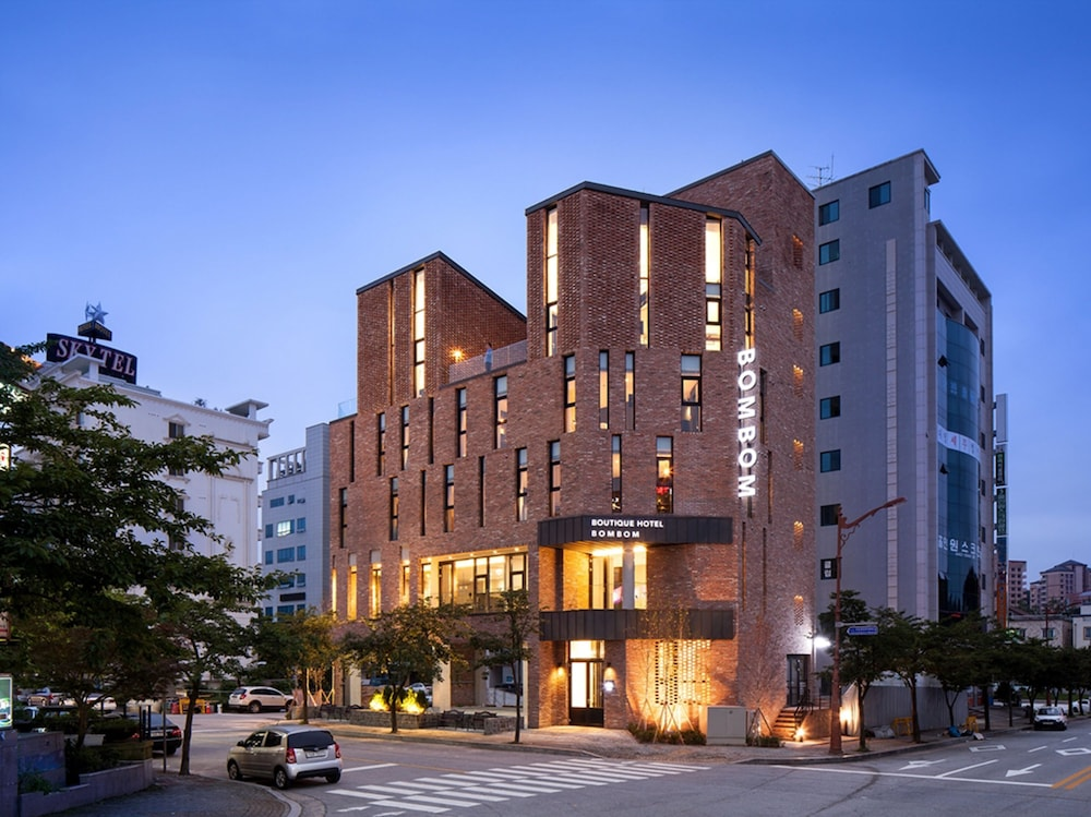 Book gangneung boutique hotel bombom gangneung hotel deals for Boutiques hotels