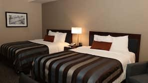 10 bedrooms, in-room safe, desk, blackout drapes