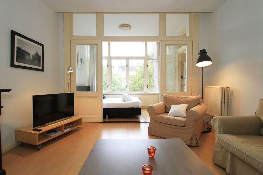 Nassau canal apartments amsterdam nld hotwire for Low cost apartments amsterdam