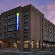 Holiday Inn Express Pensacola Downtown