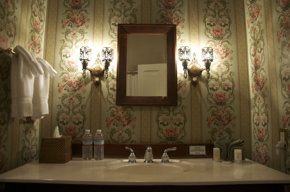 Bathroom Sink, Bluff View Inn