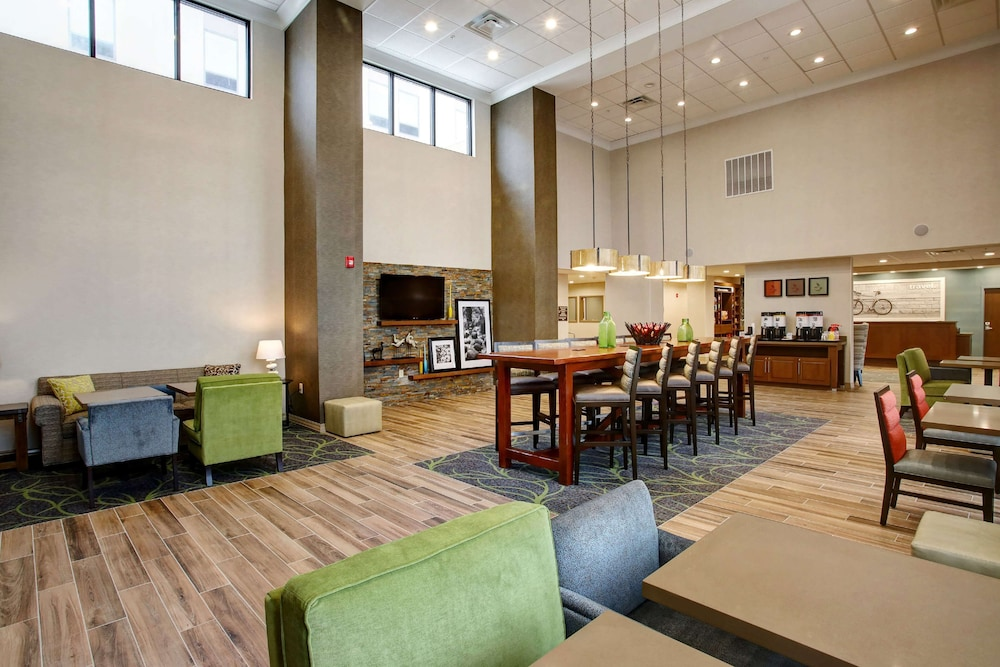 Lobby, Hampton Inn & Suites Baltimore/Aberdeen