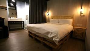 房內夾萬、隔音、免費 Wi-Fi、床單