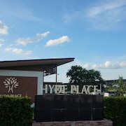 Hyde Place Resort