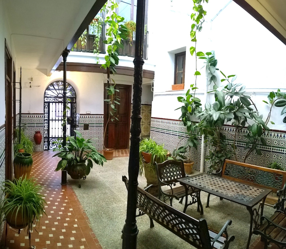 Casa patio de la vega 2017 room prices deals reviews for Patios de casas