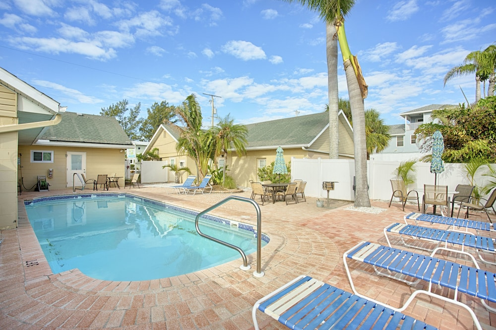Anna Maria Island Inn in Bradenton Beach | Cheap Hotel Deals & Rates