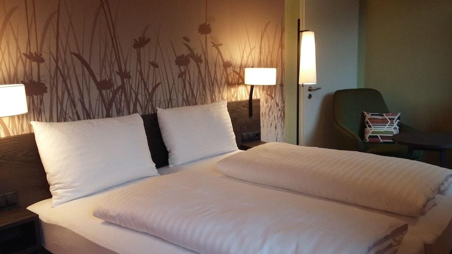 Hwest Hotel Hall