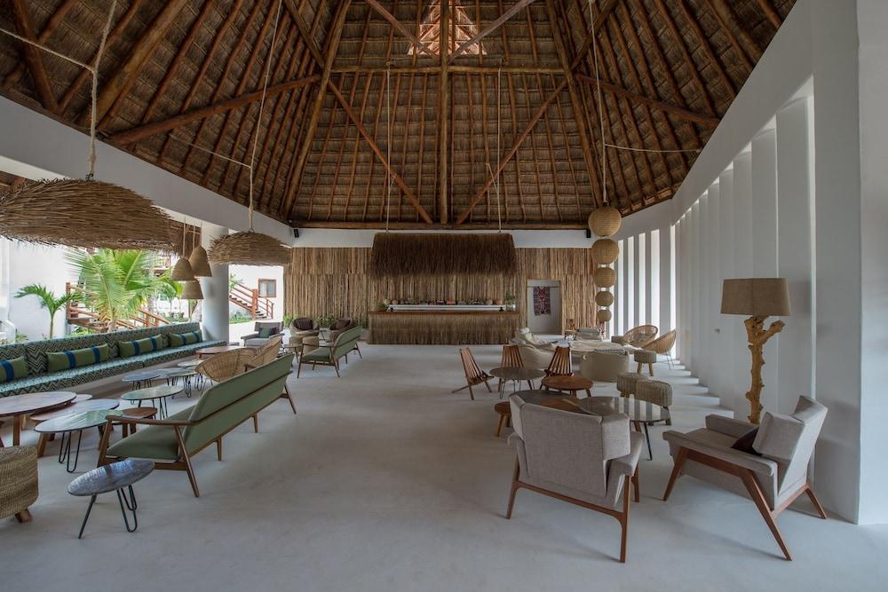Villas hm palapas del mar in isla holbox hotel rates for Villas hm palapas del mar