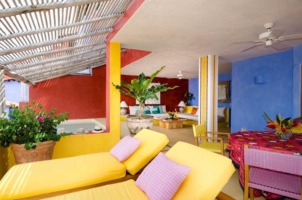 Casitas de las flores costalegre mexique for Appart hotel 2 chambres bruxelles