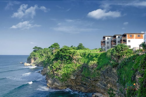 Sea Cliff Resort