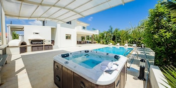 Oceanview Luxury Villa 109