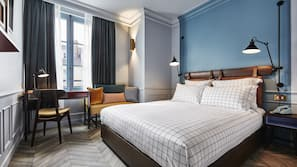 Egyptian cotton sheets, premium bedding, in-room safe, soundproofing