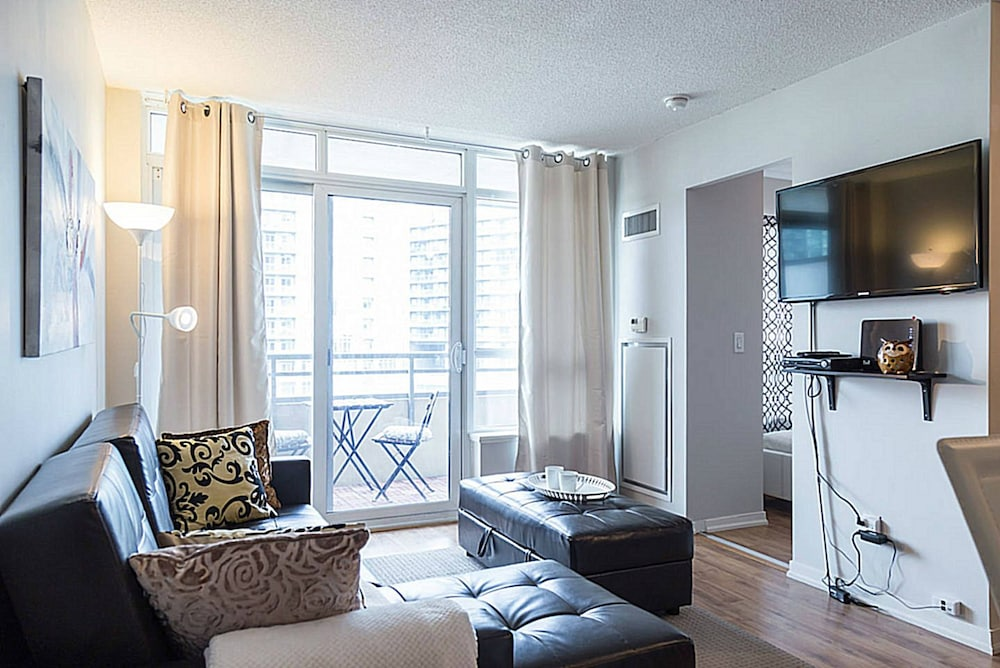 Lavish Suites New Two Bedroom Amazing Cn Tower View Reviews Photos Rates