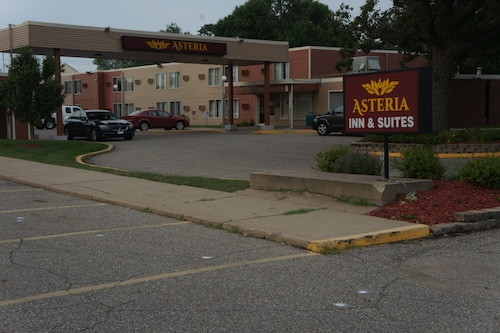 Asteria Inn & Suites - St. Cloud/Waite Park