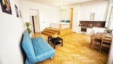 Apartment by the Old Town Square - Prague Hotels