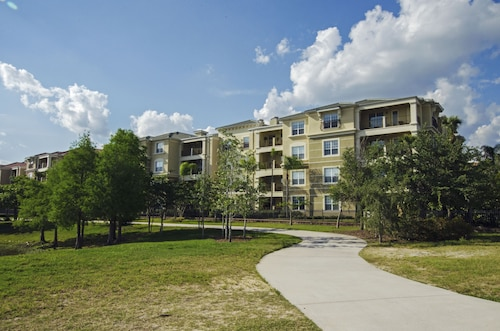 3BD 2BA Condo Lakefront View Sleeps 8 Gold RVC3091