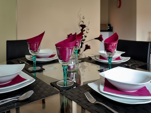 Select Serviced Accommodation - Gweal Place