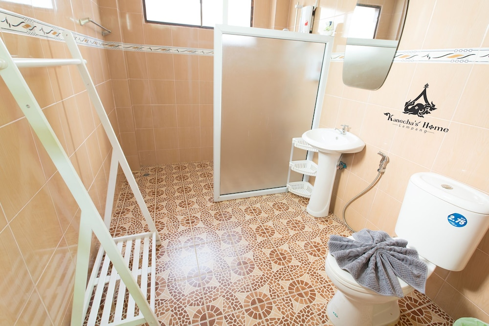 Bathroom, Kanecha's Home Lampang