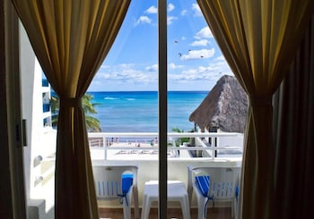 Playa Maya by MIJ Hotels- Beachfront Hotel