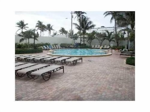 Outdoor Pool, Sian Oceanfront Condos