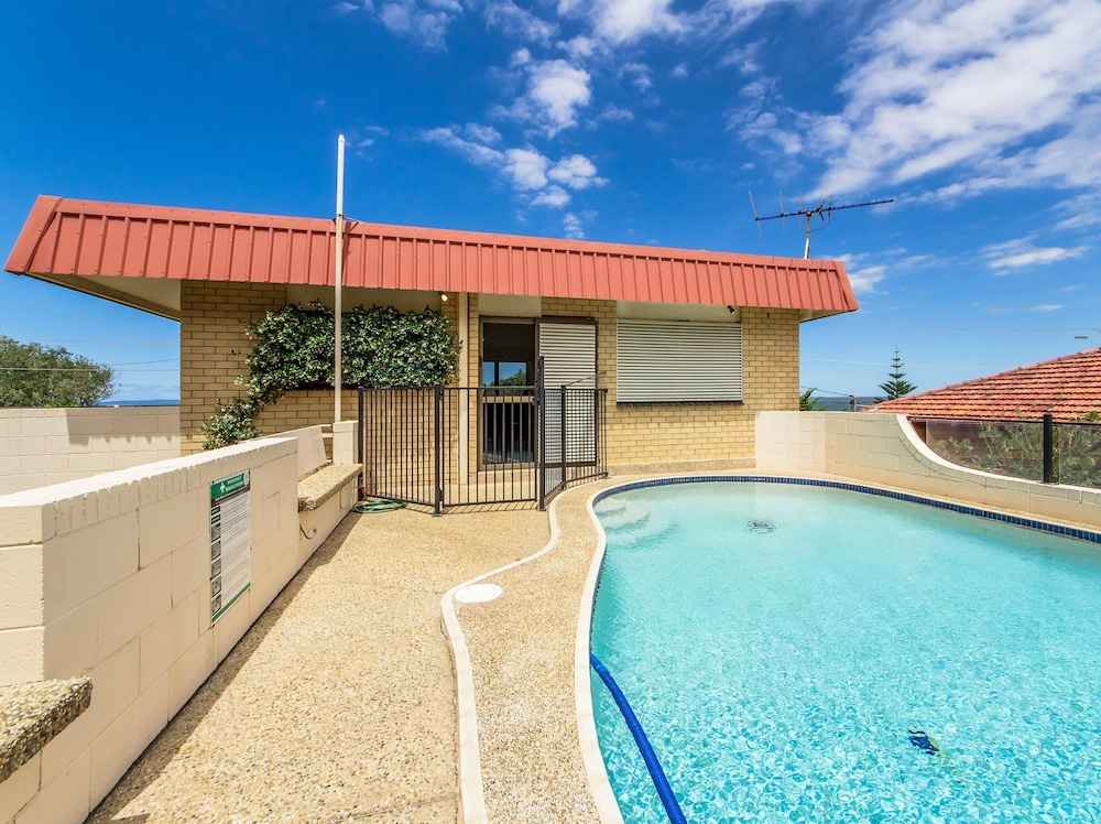 Beachfront Studio And Private Pool In Scarborough Hotel Rates Reviews On Orbitz