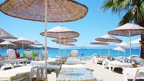 Private beach nearby, beach bar