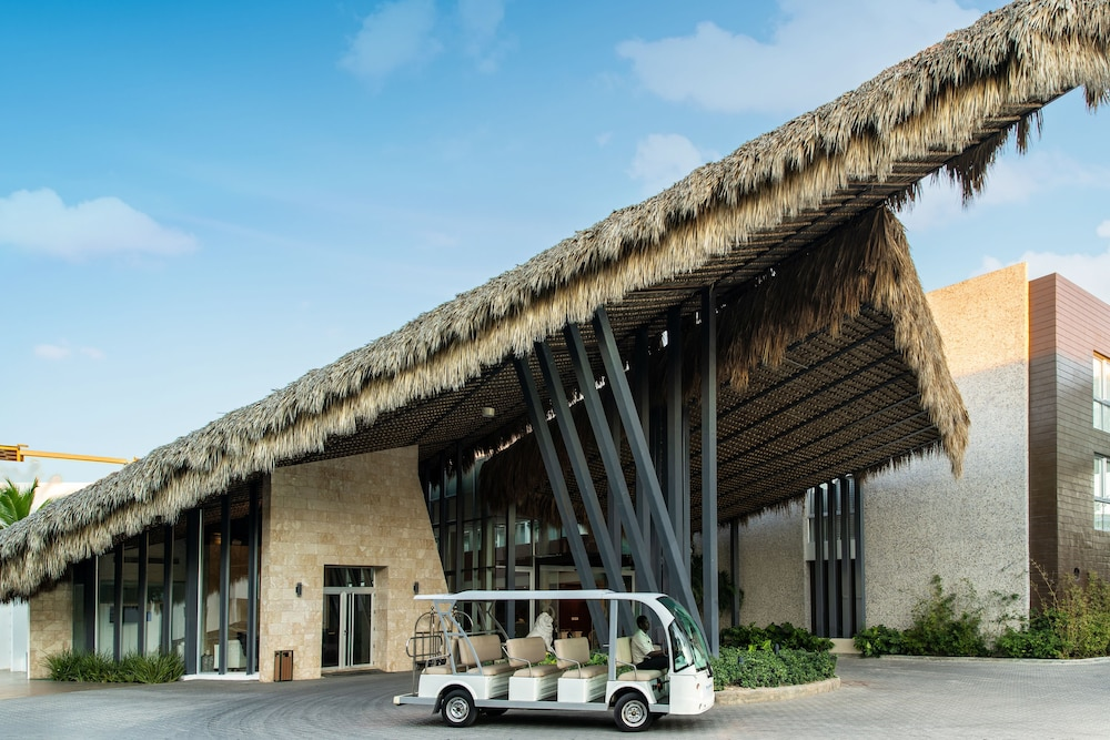 Property Entrance, Radisson Blu Resort & Residence Punta Cana All Inclusive