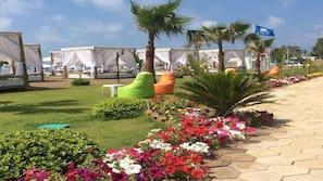 Private beach nearby, free beach cabanas, sun loungers, beach umbrellas
