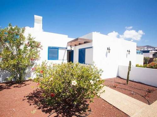 Villa Petichu in Playa Blanca for 4P