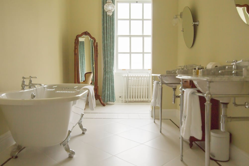 Bathroom, Islay House