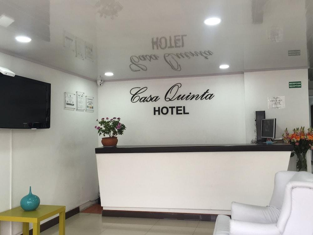 Book casa quinta embajada bogota hotel deals for Casa quinta muebles bogota