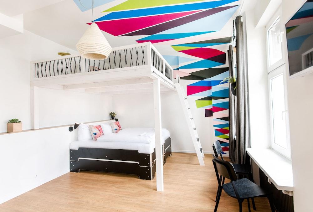 pyjama park schanzenviertel in hamburg hotel rates reviews on orbitz. Black Bedroom Furniture Sets. Home Design Ideas