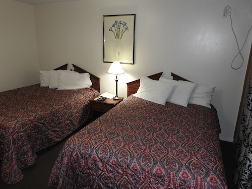 Check Expedia for Availability of Liberty Motel