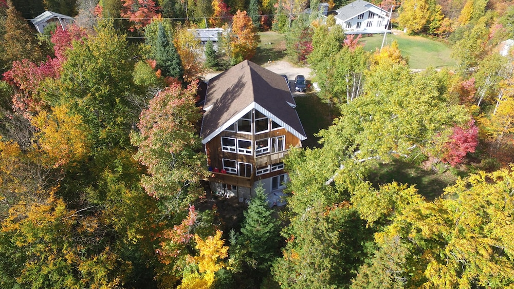 Aerial View, Warbler's Roost Country Inn Bed and Breakfast