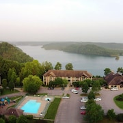 Dale Hollow Lake State Resort Park