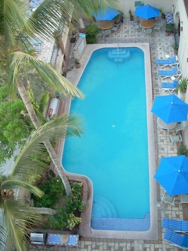 Outdoor Pool, Las Gaviotas Resort