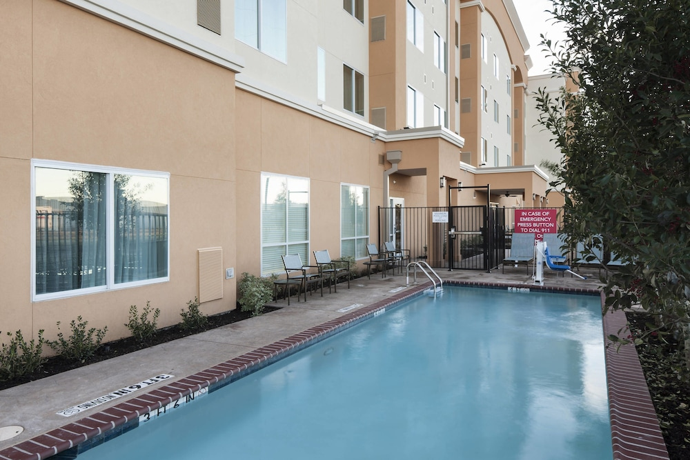 Outdoor Pool, Residence Inn by Marriott Dallas Plano/Richardson
