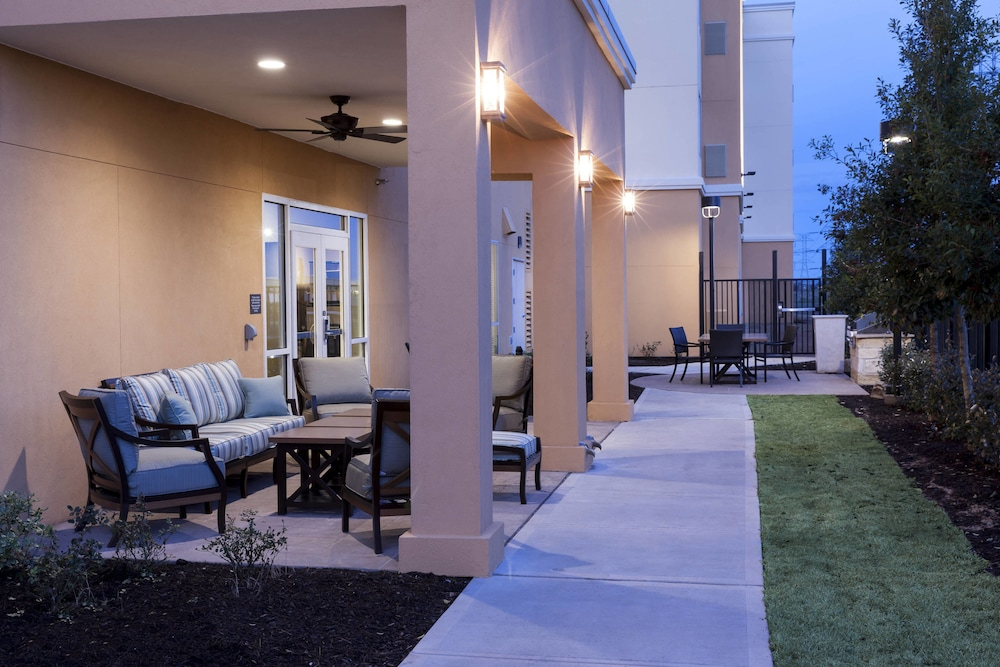 BBQ/Picnic Area, Residence Inn by Marriott Dallas Plano/Richardson