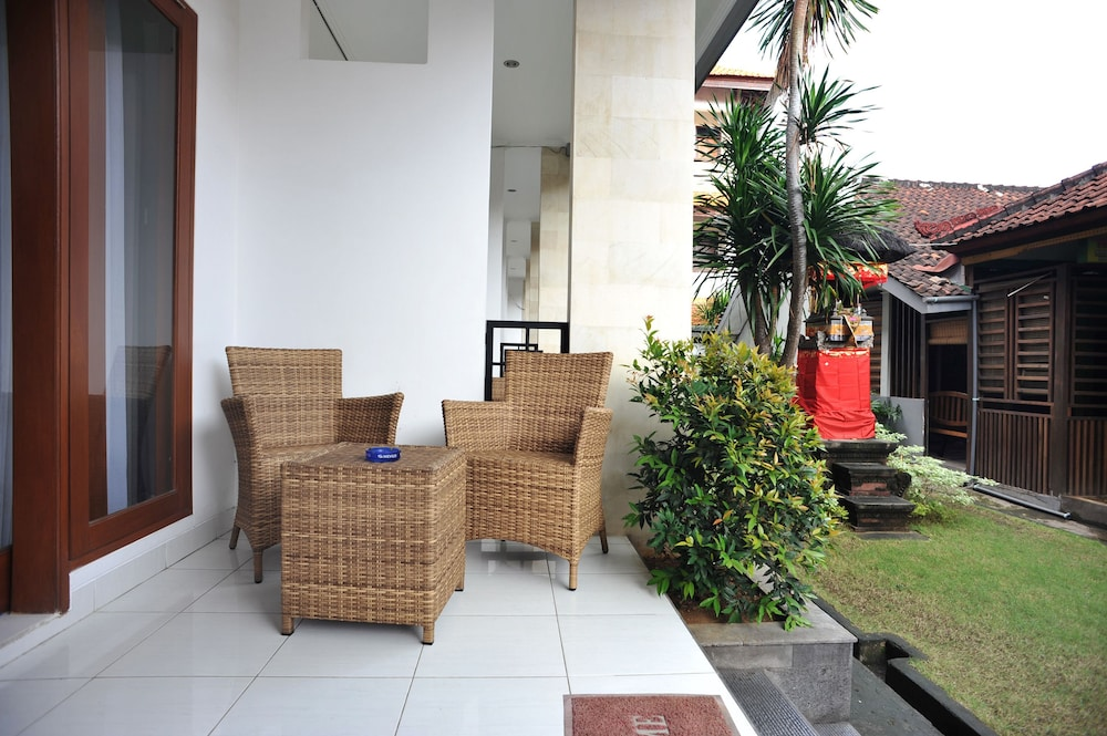 Airy kuta bakung sari gang biduri 6 bali deals reviews for Terrace 8 residence kuta
