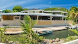Bougainvilla Hotel - Union Island Hotels