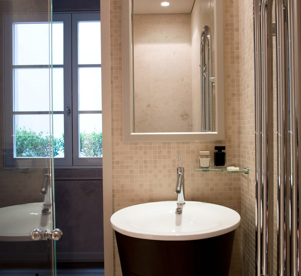 Bathroom, Domux Home Ricasoli