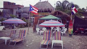 Beach nearby, 3 beach bars