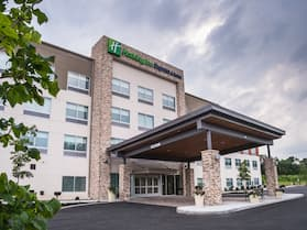 Holiday Inn Express & Suites Kingston-Ulster, an IHG Hotel
