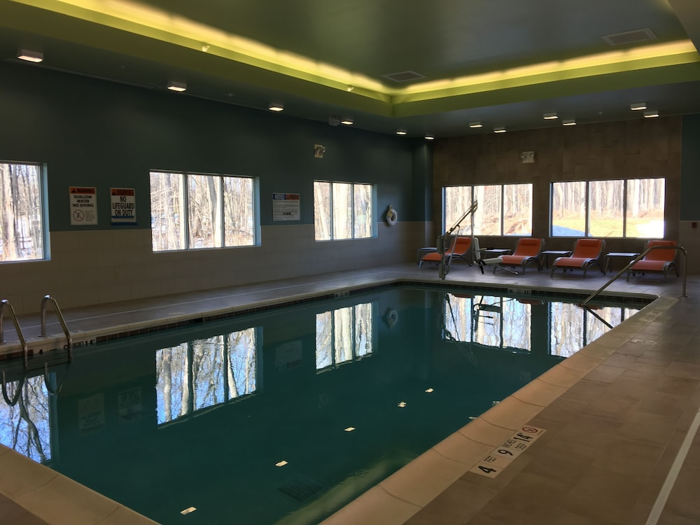 Indoor Pool, Holiday Inn Express & Suites Kingston-Ulster, an IHG Hotel