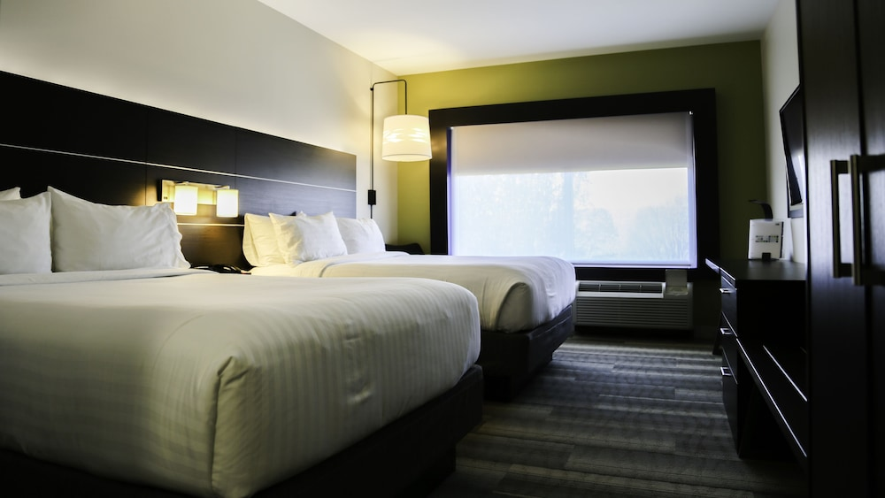 Room, Holiday Inn Express & Suites Kingston-Ulster, an IHG Hotel
