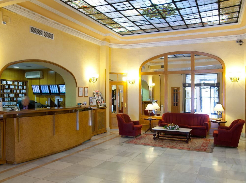 Hotel mediodia 2018 room prices deals reviews expedia for Hoteis madrid